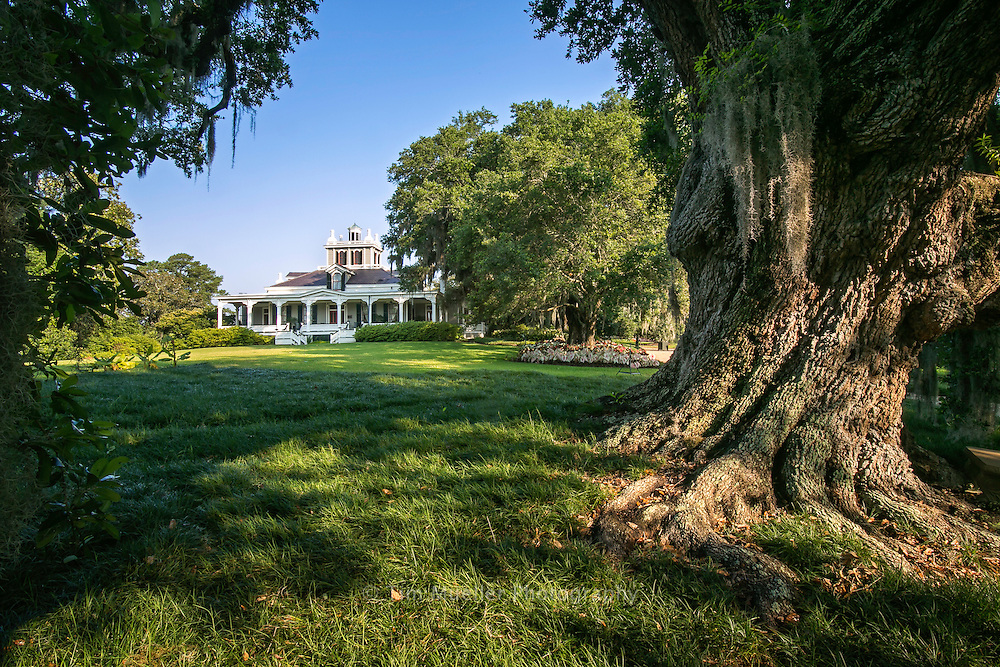 Rip Van Winkle Gardens is twenty five acres of semi-tropical gardens on Jefferson Island in Louisiana. The grounds include The Joseph Jefferson Mansion which was built in the early 1870's.