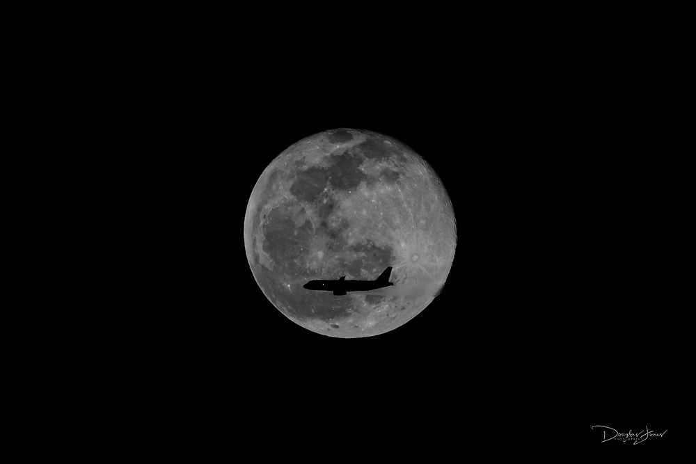 December 30, 2020: Images the Full Cold Moon as it rises over Fort Lauderdale, FL.