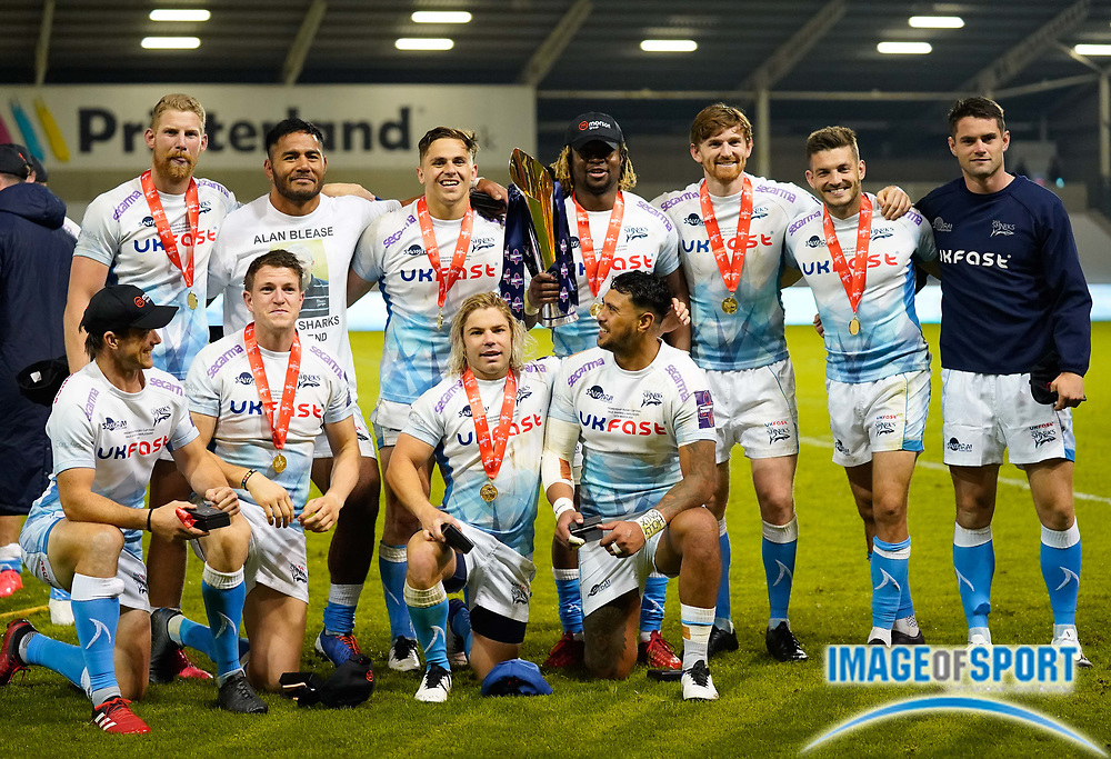 Sale Sharks back line pose with the trophy after their 27-19 victory in The Premiership Rugby Cup Final at The AJ Bell Stadium, Eccles, Greater Manchester, United Kingdom, Monday, September 21, 2020. (Steve Flynn/Image of Sport)