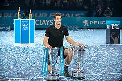 November 20, 2016 - London, United Kingdom - Barclays ATP Finals: Singles, Andy Murray (SCO) wins the Championships against Novak Djokovic (SRB) and celebrates with the award of ATP World No. 1. (Credit Image: © Alberto Pezzali/Pacific Press via ZUMA Wire)