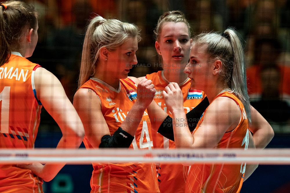 28-05-2019 NED: Volleyball Nations League Netherlands - Brazil, Apeldoorn<br /> <br /> Laura Dijkema #14 of Netherlands, Marrit Jasper #18 of Netherlands, Nicole Oude Luttikhuis #17 of Netherlands