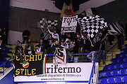 DESCRIZIONE : Porto San Giorgio Lega A 2013-14 Sutor Montegranaro Granarolo Bologna<br /> GIOCATORE : tifosi<br /> CATEGORIA : tifosi curva<br /> SQUADRA : Granarolo Bologna<br /> EVENTO : Campionato Lega A 2013-2014<br /> GARA : Sutor Montegranaro Granarolo Bologna<br /> DATA : 16/02/2014<br /> SPORT : Pallacanestro <br /> AUTORE : Agenzia Ciamillo-Castoria/C.De Massis<br /> Galleria : Lega Basket A 2013-2014  <br /> Fotonotizia : Porto San Giorgio Lega A 2013-14 Sutor Montegranaro Granarolo Bologna<br /> Predefinita :