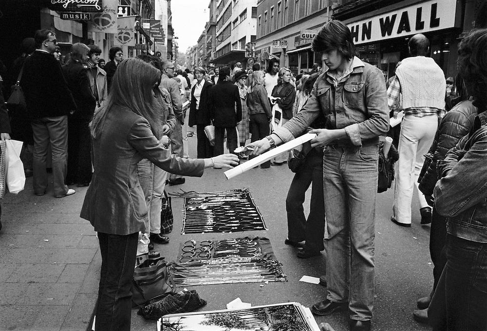 Gatuförsäljning på Drottninggatan