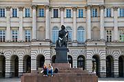 Pomink Mikołaja Kopernika na Krakowskim Przedmieściu w Warszawie, Polska<br /> Monument to Mikolaj Kopernik, Warsaw, Poland