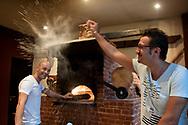 Francesco e Nicola sono due pugliesi, proprietari del Negramaro, un ristorante di successo nella quinta avenida di Playa del Carmen.