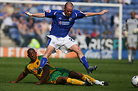 Photo: Pete Lorence.<br />Leicester City v Norwich City. Coca Cola Championship. 14/04/2007.<br />Dion Dublin tackles Iain Hume.