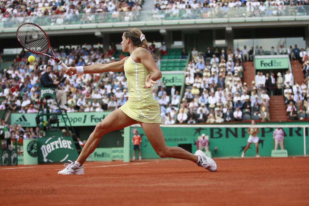 Roland Garros. Paris, France. June 2nd 2006. .Amelie Mauresmo against Jelena Jankovic.