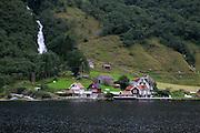 Sognefjorden (Norway)- The longest fjord<br /> <br /> Sognefjorden - El fiordo más largo de Noruega