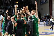 DESCRIZIONE : Beko Legabasket Serie A 2015- 2016 Dinamo Banco di Sardegna Sassari - Sidigas Scandone Avellino <br /> GIOCATORE : Sidigas Scandone Avellino<br /> CATEGORIA : Postgame Ritratto Esultanza<br /> SQUADRA : Sidigas Scandone Avellino<br /> EVENTO : Beko Legabasket Serie A 2015-2016 <br /> GARA : Dinamo Banco di Sardegna Sassari - Sidigas Scandone Avellino <br /> DATA : 28/02/2016 <br /> SPORT : Pallacanestro <br /> AUTORE : Agenzia Ciamillo-Castoria/C.Atzori
