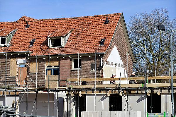 Nederland, Nijmegen, 14-3-2014 Bouwplaats voor huizen in de wijk Onder de Bogen. Er worden hier in het kader van stadsvernieuwing en renovatie, nieuwbouw verschillende woningtypen gebouwd, zowel voor sociale huur,koop en vrije sector. Foto: Flip Franssen/Hollandse Hoogte