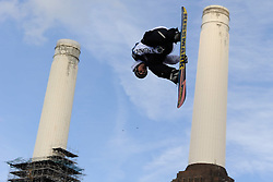 29.10.2011, Battersea Power Station, London GBR, FIS Snowboard Worldcup, Relentless Freeze Festival, im Bild FIS World Cup 2012 Heat 1,Janne KORPI, of FIN // during FIS Snowboard Worldcup at Relentless Freeze Festival in London, United Kingdom on 29/10/2011. EXPA Pictures © 2011, PhotoCredit: EXPA/ TNT Sports/ Nick Tapsell +++++ ATTENTION - OUT OF ENGLAND/GBR +++++