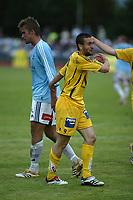 Fotball Adeccoligaen 2006 <br /> Ski Stadion, 27.08.2006<br /> <br /> Follo v Bodø/Glimt 4-2 <br /> <br /> <br /> Mounir Hamoud, Bodø/Glimt har akkurat fått rødt kort og er ergerlig.<br /> <br /> <br /> Foto: Tomm Hansen - Digitalsport