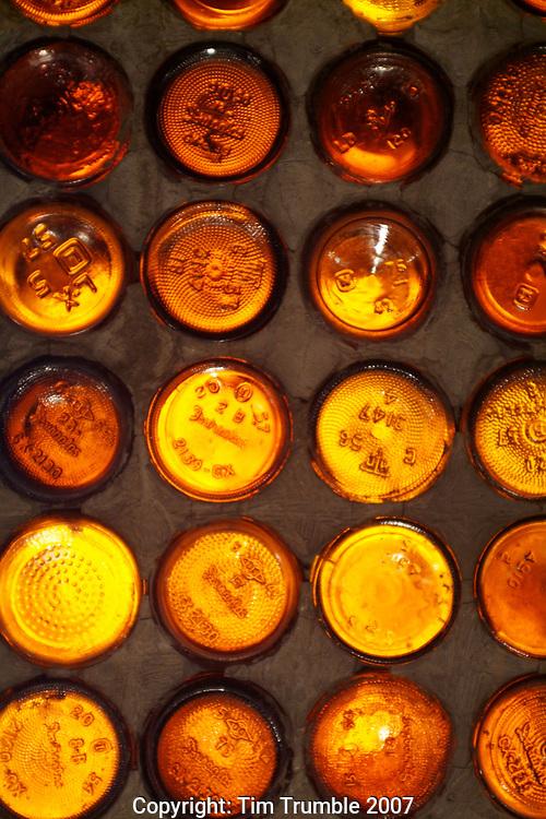 Light through glass bottle wall