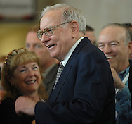 05/06/07 Omaha, NE Warren Buffett greets the crowd who came out to see him play table tennis as part of event for  the Berkshire Hathaway annual meeting Sunday at Regency Court Sunday afternoon...(photo by Chris Machian/Prarie Pixel Group).