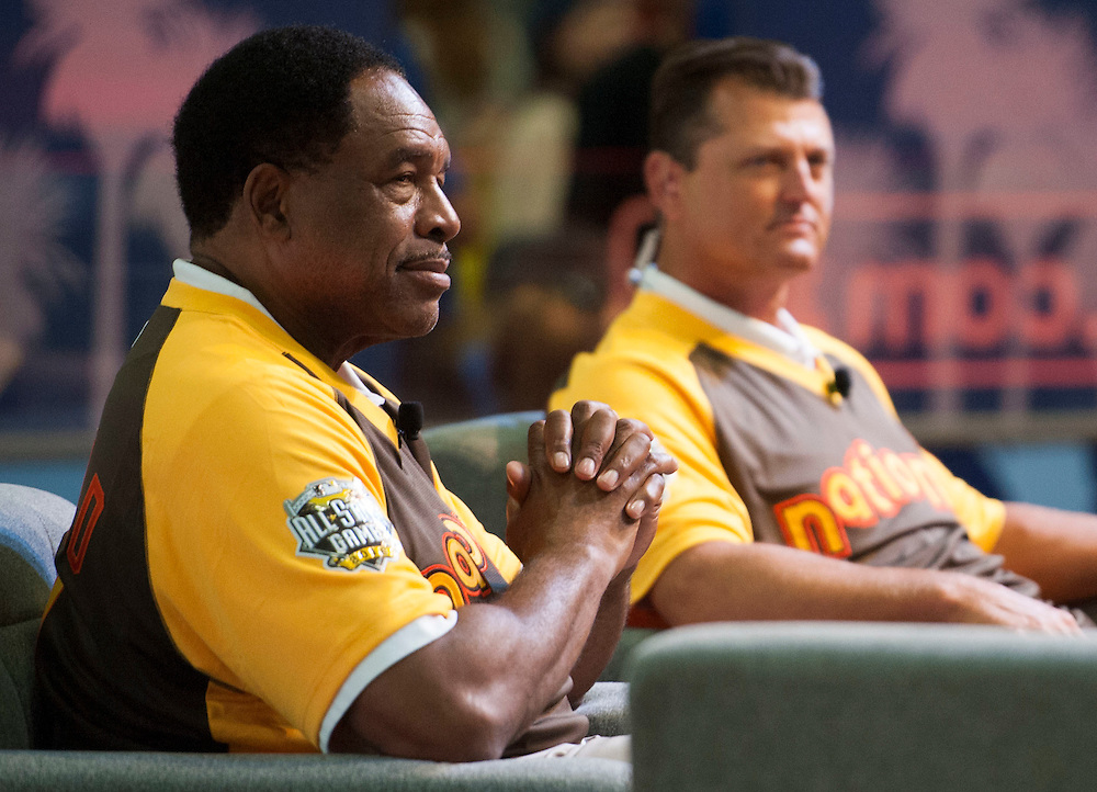 """Trevor Hoffman and Dave Winfield chat with Jeremy """"J.B."""" Brisiel during the 2016 MLB All-Star FanFest at the San Diego Convention Center on Friday.<br /> <br /> ///ADDITIONAL INFO:   <br /> <br /> Fanfest.0709.kjs  ---  Photo by KEVIN SULLIVAN / Orange County Register  -- 7/8/16<br /> <br /> The 2016 MLB All-Star game Fan Fest at Petco Park and the San Diego Convention Center."""