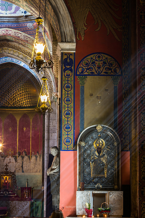 Fragment of the interior of Armenian Cathedral of the Assumption of Mary. The cathedral is UNESCO site, historical monument.<br /> Интерьерная фотосъемка в Армянском Соборе, Львов.