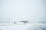 Feb 10,2010 - Chantilly, Va USA - Travelers leaving the Washington Dulles International Airport were greeted on Wednesday with blizzard conditions in the D.C. Metro area. (Credit Image: ©Pete Marovich/ZUMA Press)