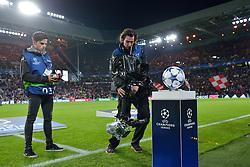 15-09-2015 NED: UEFA CL PSV - Manchester United, Eindhoven<br /> PSV kende een droomstart in de Champions League. De Eindhovenaren waren in eigen huis te sterk voor de miljoenenploeg Manchester United: 2-1 / Camera pers media filmen de CL Adidas bal