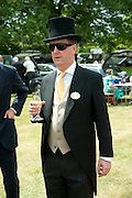 LORD NORTHBROOK, Lunch part hosted by Liz Brewer and Mrs. George Piskova in No; 1 car-park. . Royal Ascot. Tuesday. 14 June 2011. <br /> <br />  , -DO NOT ARCHIVE-© Copyright Photograph by Dafydd Jones. 248 Clapham Rd. London SW9 0PZ. Tel 0207 820 0771. www.dafjones.com.