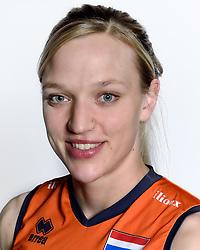 28-12-2015 NED: Nederlands Volleybalteam vrouwen, Arnhem<br /> Nederlands volleybalteam vrouwen op de foto met de nieuwe sponsorshirt ilionx / Judith Pietersen #8