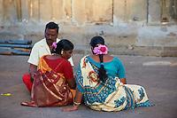 Inde, etat du Tamil Nadu, Tiruvannamalai, pelerins au temple de Arunachaleswar // India, Tamil Nadu, Tiruvannamalai, pilgrims at Arunachaleswar temple