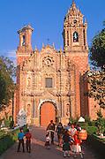 MEXICO, COLONIAL, PUEBLA San Francisco Acatepec, tiles