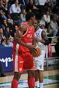 DESCRIZIONE :Siena  Lega A 2011-12 Montepaschi Siena Cimberio Varese Play off gara 1<br /> GIOCATORE : Yakhouba Diawara Bo Mc Calebb<br /> CATEGORIA : fair play<br /> SQUADRA : Cimberio Varese<br /> EVENTO : Campionato Lega A 2011-2012 Play off gara 1 <br /> GARA : Montepaschi Siena Cimberio Varese<br /> DATA : 17/05/2012<br /> SPORT : Pallacanestro <br /> AUTORE : Agenzia Ciamillo-Castoria/ GiulioCiamillo<br /> Galleria : Lega Basket A 2011-2012  <br /> Fotonotizia : Siena  Lega A 2011-12 Montepaschi Siena Cimberio Varese Play off gara 1<br /> Predefinita :