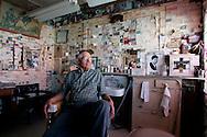 "US-SELIGMAN: Hairdresser Angel Delgadillo, co-founder of the ""Historic Route 66"" . PHOTO GERRIT DE HEUS"