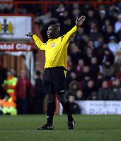 Photo: Mark Stephenson/Sportsbeat Images.<br /> Bristol City v Cardiff City. Coca Cola Championship. 15/12/2007.Referee Mr U Rennie