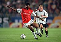 Kanu (Arsenal). AC Sparta Prague 0:1 Arsenal. UEFA Champions League, Prague, Czech Republic, 12/9/2000. Credit: Colorsport / Stuart MacFarlane.