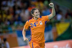 08-08-2016 BRA: Olympic Games day 3, Rio de Janeiro<br /> Handbal Nederland - Argentinië 26-18 / Martine Smeets #24