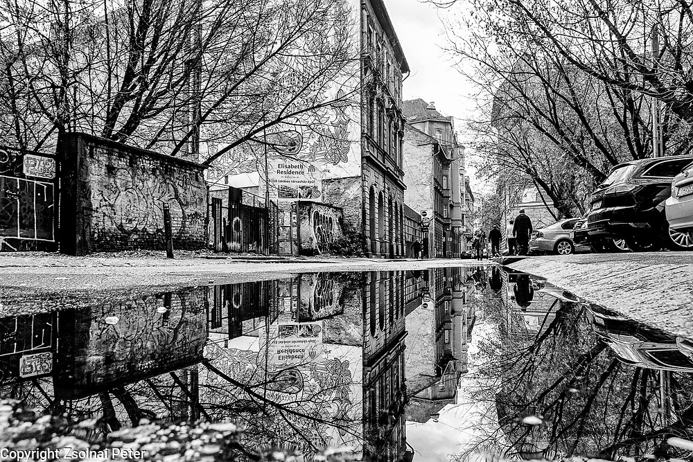 black and white, bnw, photography, budapest, minimal, hungary,Jewish quarter,  Peter Zsolnai, award winner, streetphotograpy, urban, reflection, Peter Zsolnai Photography,