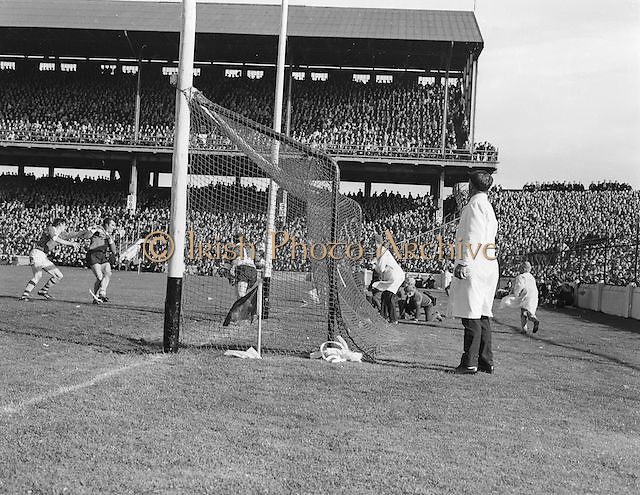 Kerry goalie moves to the  edge of the goal to save the ball during the All Ireland Senior Gaelic Football Final Kerry v Offaly in Croke Park on 28th September 1969. Kerry 0-10 Offaly 0-7.