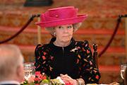 State visit of Luxembourg to the Netherlands /<br /> Staatsbezoek van Luxemburg aan Nederland<br /> <br /> Government lunch in the Ridedertzaal in The Hague with speech of the minister-president and the Grand Duke.<br /> <br /> Regeringslunch in de Ridedertzaal in Den haag met toespraak van de Minister-president en de Groothertog.<br /> <br /> On the photo / Op de foto;<br /> <br />  Queen Beatrix