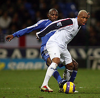 Photo: Paul Thomas.<br /> Bolton Wanderers v Chelsea. The Barclays Premiership. 29/11/2006.<br /> <br /> El Hadji Diouf of Bolton (R) tries to get away from Geremi.