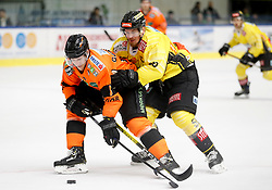 27.02.2020, Merkur Eisstadion, Graz, AUT, EBEL, Moser Medical Graz 99ers vs Vienna Capitals, Zwischenrunde, 9. Qualifikationsrunde, im Bild Matthew Garbowsky (Moser Medical Graz 99ers) und Mario Fischer (Vienna Capitals) // Matthew Garbowsky (Moser Medical Graz 99ers) and Mario Fischer (Vienna Capitals) during the Erste Bank Eishockey League Intermediate round, 9th qualifying round match between Moser Medical Graz 99ers and Vienna Capitals at the Merkur Eisstadion in Graz, Austria on 2020/02/27. EXPA Pictures © 2020, PhotoCredit: EXPA/ Erwin Scheriau