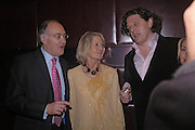 Michael and Sandra Howard with Marco Pierre White. Conservative fund raising dinner hosted  by Marco Pierre White and Franki Dettori at  Frankie's. Knightsbridge. 17 January 2004. ONE TIME USE ONLY - DO NOT ARCHIVE  © Copyright Photograph by Dafydd Jones 66 Stockwell Park Rd. London SW9 0DA Tel 020 7733 0108 www.dafjones.com