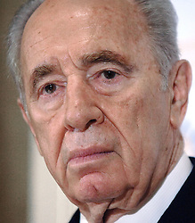 Former Israeli Premier Shimon Peres holds a news conference to discuss the latest developpement between Israel and Hezbollah, in Washington, DC, USA, on August 16, 2006. Photo by Olivier Douliery/ABACAPRESS.COM