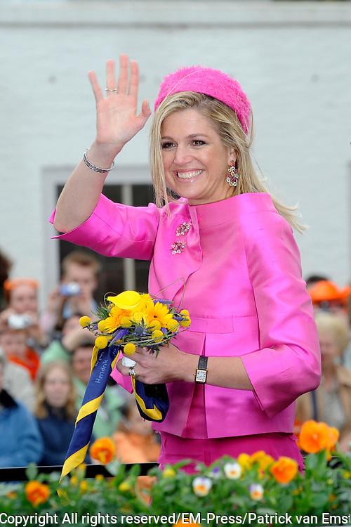 Koninginnedag 2008 / Queensday 2008. <br /> <br /> Koningin Beatrix viert Koninginnedag dit jaar in Friesland. De vorstin en haar familie bezochten op 30 april Makkum en Franeker.<br /> <br /> Queen Beatrix celebrates Queensday this year in Friesland (the Nothren provice in Holland). The Queen and its family visited Makkum and Franeker on 30 April.<br /> <br /> Op de foto/ On the Photo: Prinses Maxima / Princes Maxima