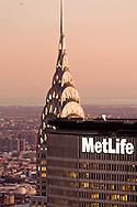 New York. elevated view. Chrysler and Panam Metlife  building. panoramic view of Manhattan skyline.  New York, Manhattan - United states   / Chrysler and Panam building. panorama de la ville. Manhattan, New York - Etats unis