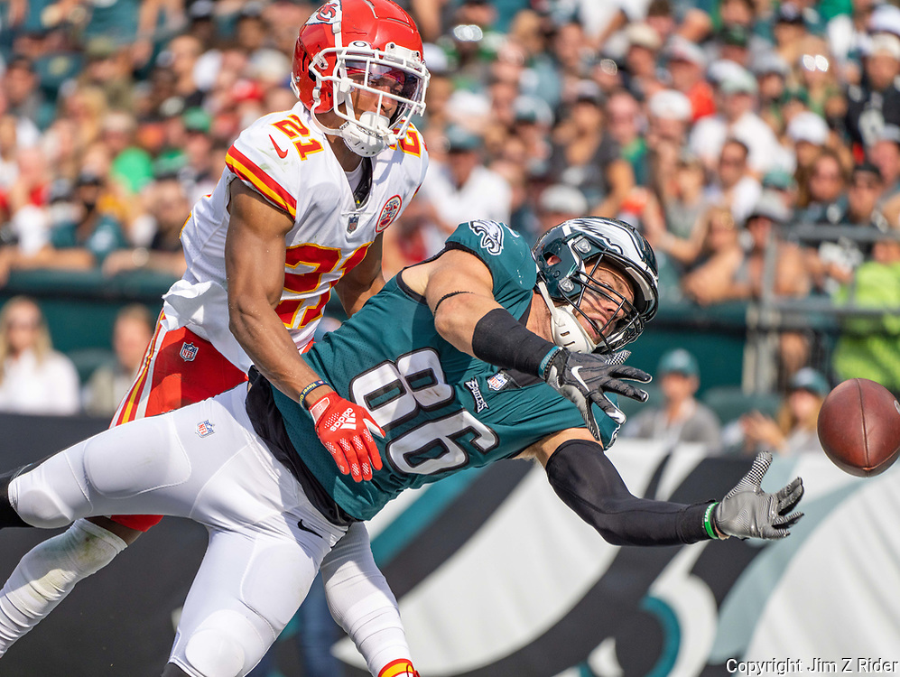 Eagles tight end ZACH ERTZ, #86, just misses a pass in the second half with Chiefs cornerback MIKE HUGHES, #21, on tight coverage during an NFL football game between the Philadelphia Eagles and the Kansas City Chiefs at Lincoln Financial Field in Philadelphia, Pennsylvania. The Chiefs won 42-30.