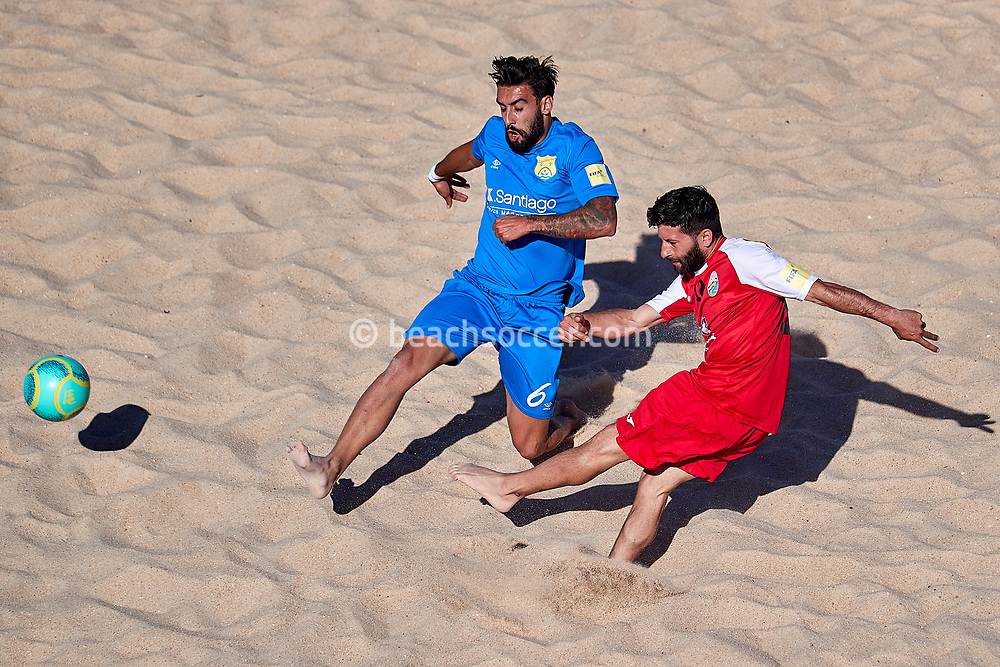 NAZARE, PORTUGAL - MAY 31: Joao Pedro Guerra Mota and of AD Buarcos 2017 and Antonino Villani of Atletico Licata BS during the Euro Winners Challenge Nazaré 2019 at Nazaré Beach on May 31, 2019 in Nazaré, Portugal. (Photo by Jose M. Alvarez)