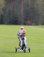 LOCHEM -  Fleur van Beek  .Jeugdgolf op de  Lochemse Golf Club De Graafschap. COPYRIGHT KOEN SUYK