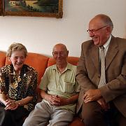 50 jarig huwelijk fam. Groen graaf Wichman 161 Huizen de Marke bezoek wethouder Kolk