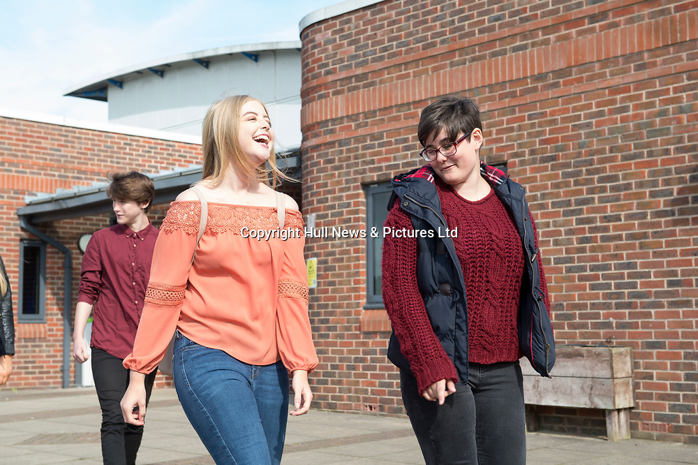 21 September 2017: Louth Academy Sixth Form students.<br /> Picture: Sean Spencer/Hull News & Pictures Ltd<br /> 01482 210267/07976 433960<br /> www.hullnews.co.uk         sean@hullnews.co.uk