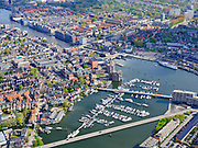 Nederland, Noord-Holland, Zaandam, 07-05-2021; Het Eiland (Zaaneiland) met Oude Haven en Voorzaan. Jachthaven Zaandam. <br /> Het Eiland (Zaaneiland) with Oude Haven and Vooraan. Zaandam marina.<br /> <br /> luchtfoto (toeslag op standaard tarieven);<br /> aerial photo (additional fee required)<br /> copyright © 2021 foto/photo Siebe Swart.