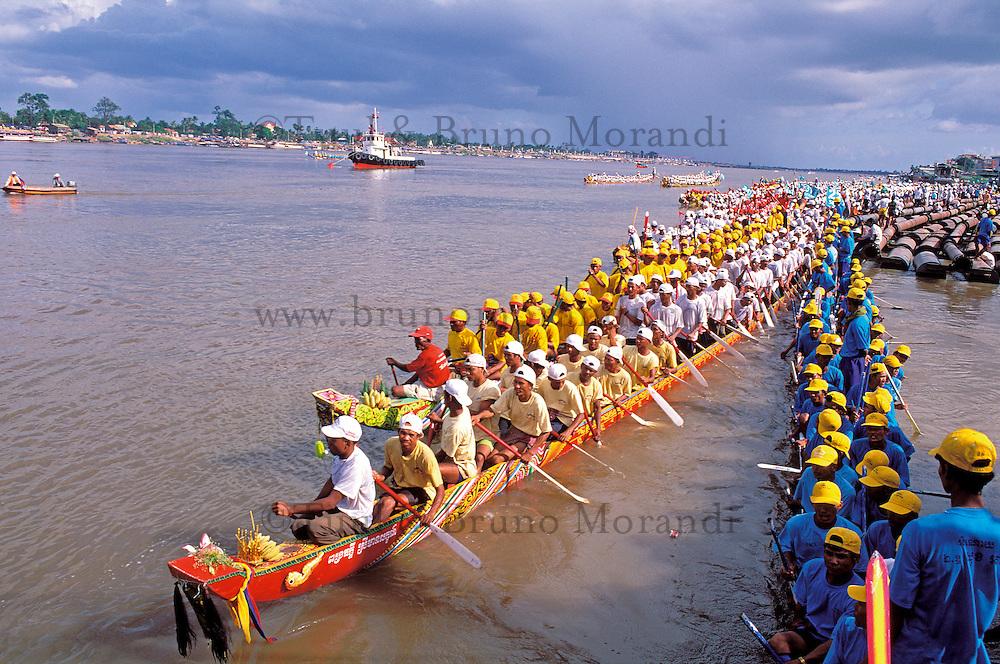 Cambodge, Phnom Penh, Festival de l'eau, Fleuve Mekong et Tonle Sap // Water festival, Mekong and Tonle Sap river, Phnom Penh. Cambodia