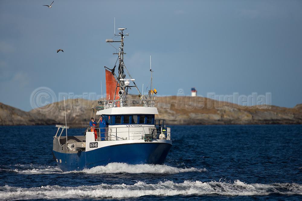 Callsign: LK3764, Vessel ID: M0078HØ, Year Built: 1989