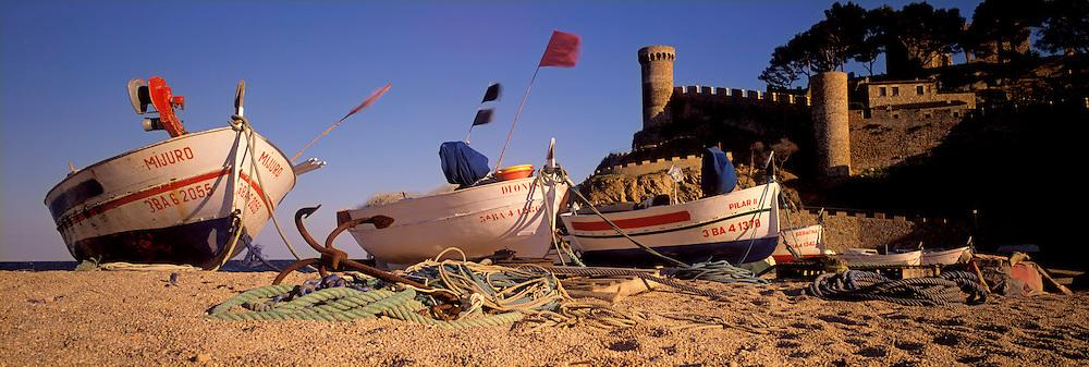 SPAIN, COSTA BRAVA Tossa del Mar medieval resort