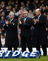 Photo: Chris Ratcliffe.<br />Chelsea v Tottenham Hotspur. The Barclays Premiership. 11/03/2006.<br />Terry Venables (C) joins in the minutes applause for Peter Osgood.